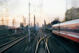 Trupul unui bărbat care s-ar fi spânzurat, găsit sub un vagon de tren în Constanța. Ce spun autoritățile