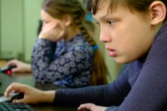 Ce probleme ridică predarea online. Aproximativ 250.000 de copii din toată țara nu pot învăța