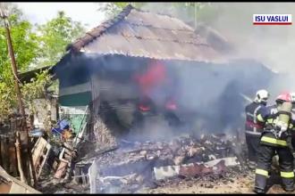 Pericol de explozie în județul Vaslui. Militarii au intervenit pentru a stinge un incendiu