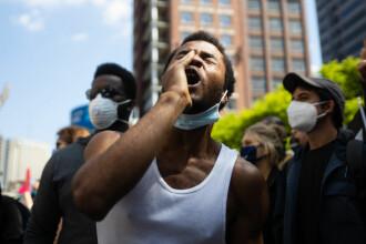 Protestele violente iau amploare în SUA. Ciocniri ale manifestanţilor cu forţele de ordine