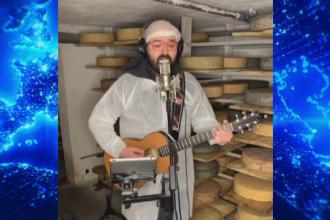Cum a concertat un artist din România pentru 20 de tone de brânzeturi