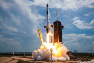 Capsula SpaceX a ajuns după 19 ore la ISS. Cât a plătit NASA companiei lui Elon Musk