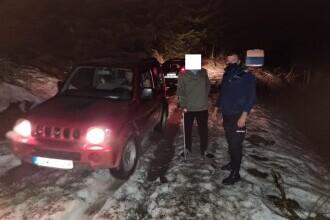 O familie din Craiova a rămas blocată în zăpadă în noaptea de Înviere, în zona Vârfului Arcanu