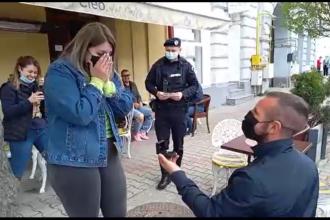 Cerere în căsătorie inedită, la o terasă din Năsăud. Jandarmii au intervenit