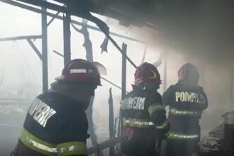 Cinci familii din Bârlad au rămas pe drumuri, după ce un incendiu le-a distrus casele