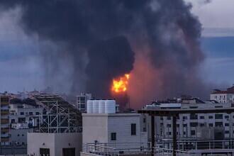 VIDEO. Armata Israelului a distrus cu rachete casa unui comandant Hamas, unde se aflau arme
