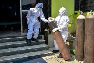 Trei persoane au fost arestate în India, după ce ar fi vopsit mai multe stingătoare pentru a arăta ca buteliile de oxigen