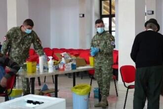 Membrii guvernului Cîțu, voluntari în centrele de vaccinare din localitățile izolate. Cum au fost primiți de oameni