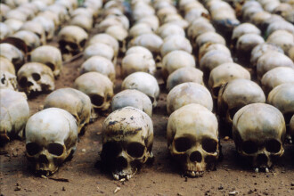 Macron a recunoscut ''responsabilitatea'' Franței în genocidul din Rwanda care a dus la moartea a 800.000 de oameni