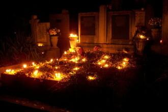 Ziua mortilor, o afacere profitabila pentru vanzatorii de flori si lumanari