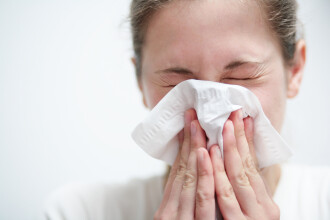 Virusul gripal din acest sezon face victime! Se recomanda vaccinarea