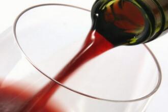 Americanii au mai facut o descoperire: vinul e bun pentru ten