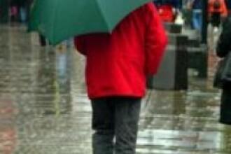 Atentionare cu cod galben pentru ploi si vijelii in 20 de judete