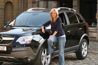 Adela Popescu si-a luat masina!