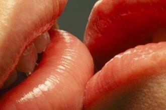 Cati barbati poti saruta in 30 de secunde?