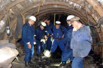 Valea Jiului, din nou Valea Plangerii. 12 oameni au murit in mina Petrila