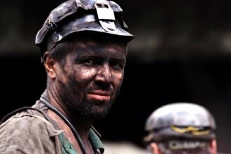 Noua morti si patru disparuti, in urma accidentului minier din Ucraina