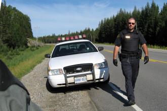 12 oameni tinuti ostatici intr-o cladire guvernamentala din Canada