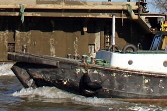 Emotii pe Dunare! O nava cu pasageri a ramas blocata intr-un banc de nisip