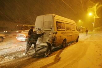 Iarna grea pe soselele din Arad, Bistrita, Cluj si Maramures