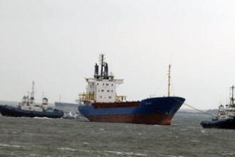 Remorcher in pericol de scufundare pe Canalul Dunare Marea Neagra