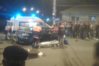 Trei tineri au fost spulberati de un sofer care incerca sa scape de politie