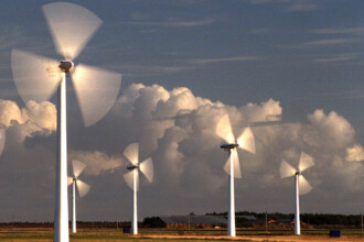 Romania, te iubesc! Aflati cum puteti obtine profit din energie eoliana