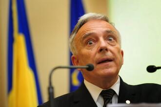 Mugur Isarescu: O majorare a TVA-ului ar duce la cresterea preturilor