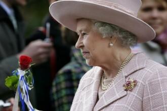 Criza loveste bradul de Craciun al Reginei Elisabeta a II-a!