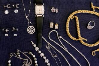 Au furat ceasuri si bijuterii in valoare de 200.000 de euro