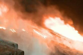 Foc pana la cer in Bucuresti! 4 case si o masina facute scrum!