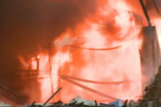Trei oameni au murit intr-un incendiu dintr-o piata din Moscova