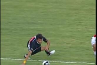 Si-a rupt mana in timpul meciului de fotbal! IMAGINI HORROR