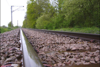 Tronsonul de cale ferata Vintu de Jos – Simeria va fi reabilitat cu 290 milioane de euro
