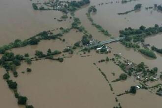 Inundatiile fac ravagii in Albania. Mii de oameni evacuati