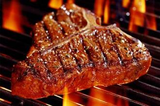 Consumul zilnic de produse din carne procesata duce la afectiuni cardiace