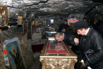 Cel mai mare pelerinaj din sud-estul Europei. Peste 1 milion de ortodocsi, pe Dealul Patriarhiei