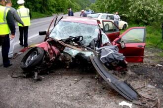 Accident grav in Valea Jiului.Doua femei au murit dupa ce masina lor a lovit un TIR, pe contrasens