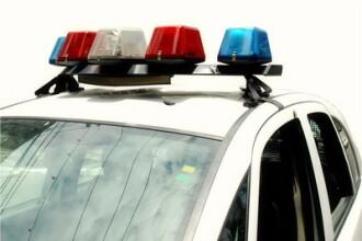 Trei eleve de liceu risca inchisoarea dupa ce au talharit o femeie si i-au furat bijuteriile