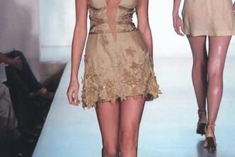 Valentina Pelinel: Am ramas fara fusta pe catwalk