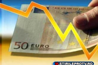 Euro a coborat la minimul ultimelor doua luni fata de dolar