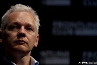Ecuadorul amenință că-l va da afară pe Julian Assange din ambasadă, după ce l-a criticat pe președinte