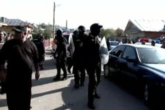 Razboi intre 200 de romi si politisti. O datorie de 5.000 de euro la camatari a ajuns la 75.000