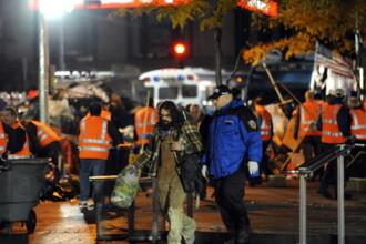 Politia a inceput evacuarea taberei