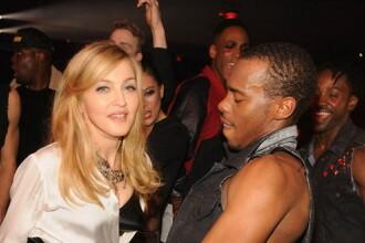 Madonna exagereaza cu fitele. Ce a facut impreuna cu iubitul intr-un restaurant din New York