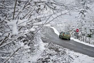 Sfaturi pentru condusul pe timp de iarna. Experiment: cauciucuri de vara VS. cauciucuri de iarna