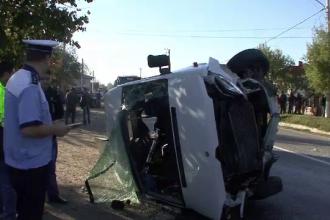 Bihor: Sapte copii, raniti in urma unui accident in care a fost implicat un microbuz scolar