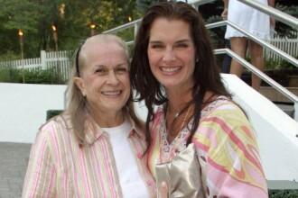 Doliu la Hollywood. Mama si managerul actritei Brooke Shields a decedat la 79 de ani
