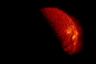 Imagini spectaculoase oferite de NASA. Secundele in care Soarele dispare din fata lor