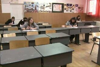 Revenirea din vacanta ii face pe elevii claselor a XII-a si a XIII-a sa intre in febra examenelor